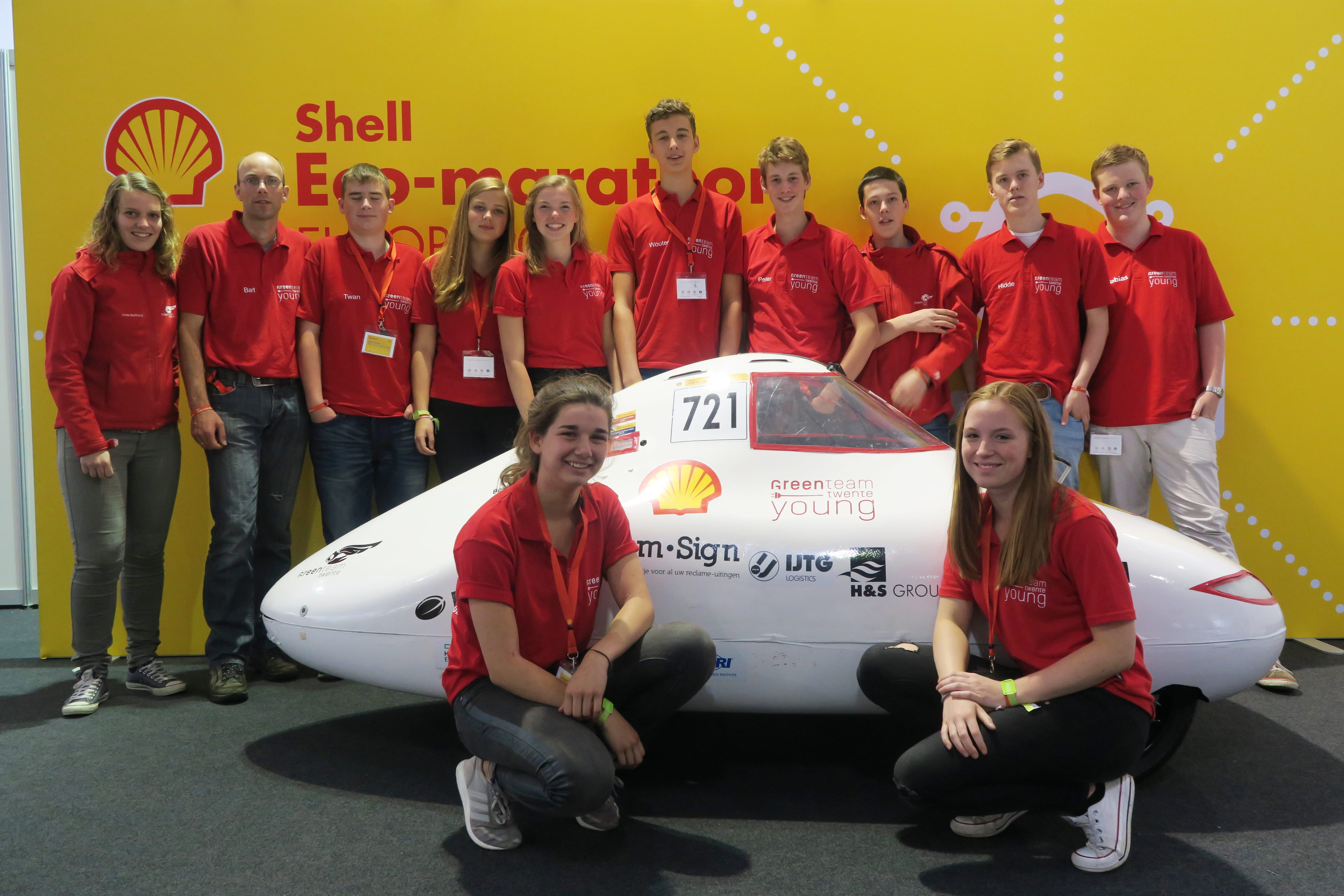 Green Team Twente Young | Shell Eco Marathon groepsfoto #2